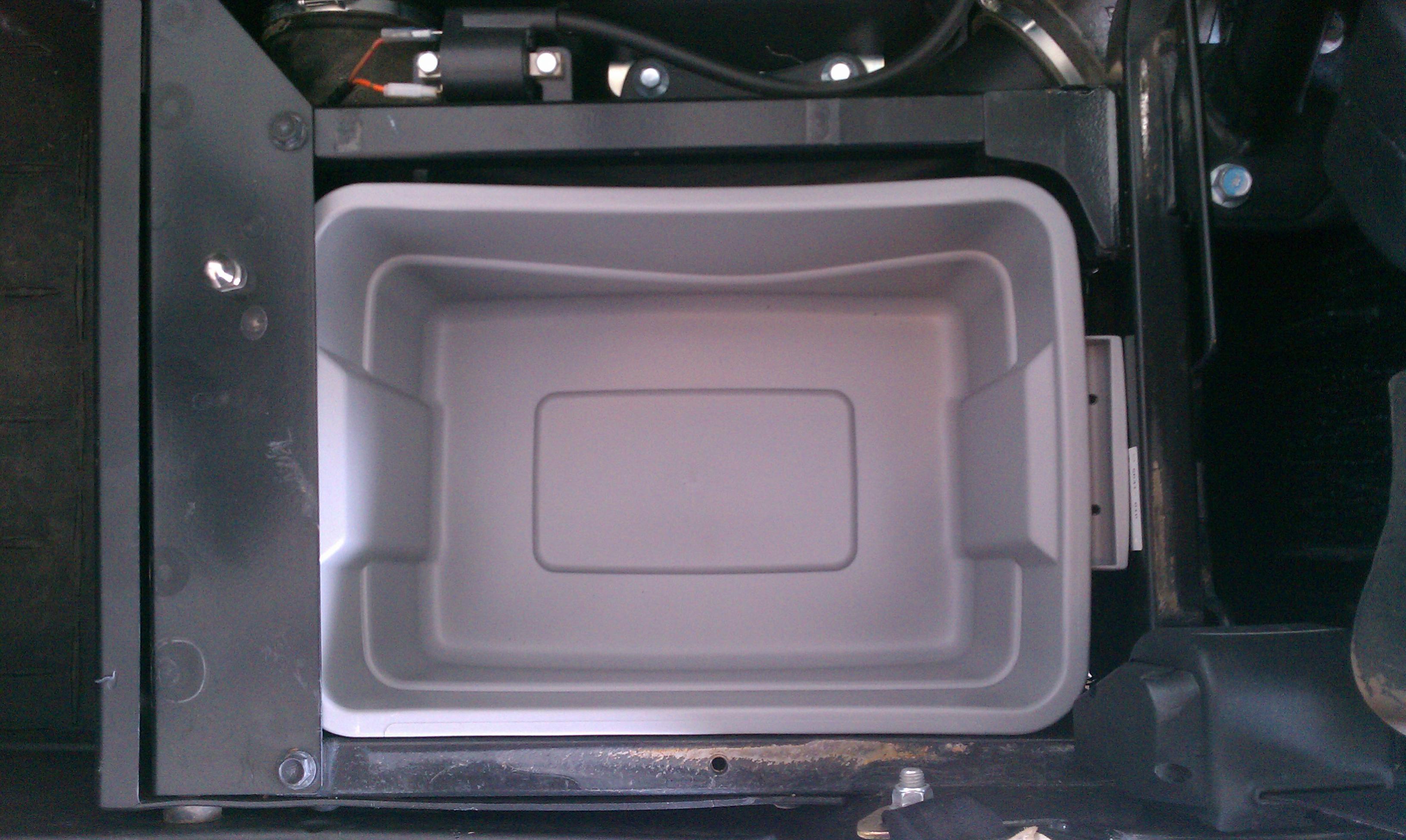 Under Seat Storage Under -imag0195.jpg